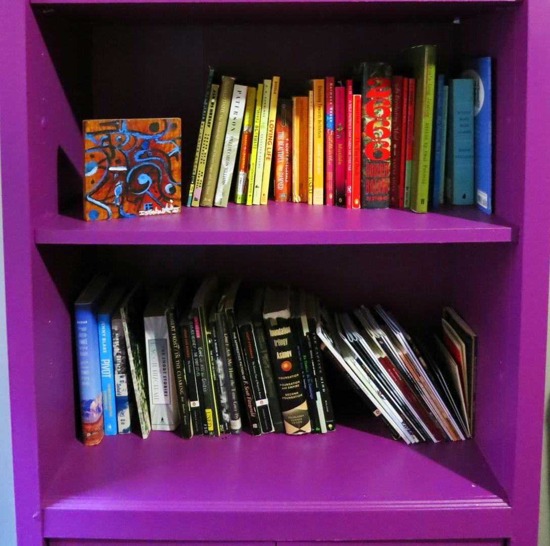 bookshelf-closeup.jpg